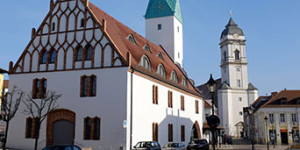 Innenstadt Fürstenwalde (Spree) mit der Domkirche bie Sonne